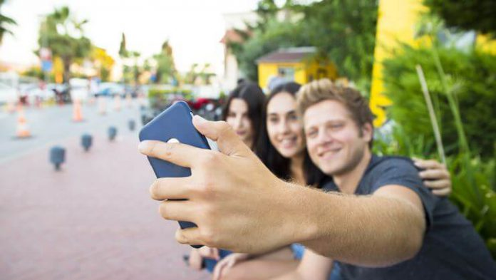 Grup Selfie Özelliği